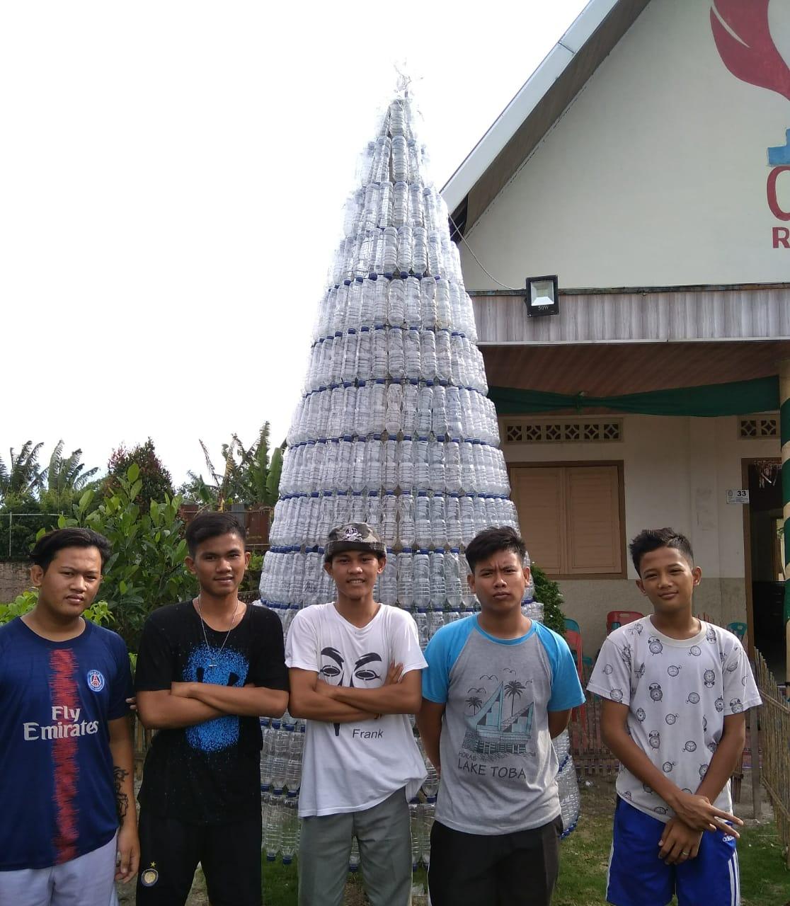 Pemuda Gereja Methodist Sidoarjo Ii Ramunia Buat Pohon Natal Dari